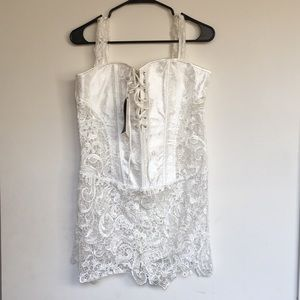 women basque with lace and zip. size 2XL MISSMOLY